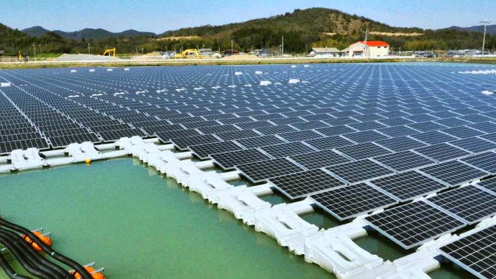 Drijvende fotovoltaïsche panelen in Japan