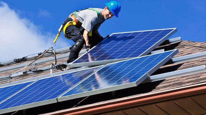 Zonnepanelen: vanaf 2013 extra netvergoeding van 50 euro/kW