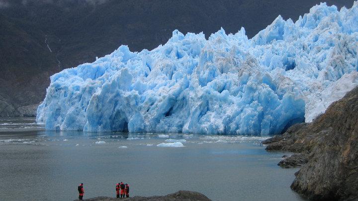 Onderzoek toont aan dat gletsjers sneller smelten